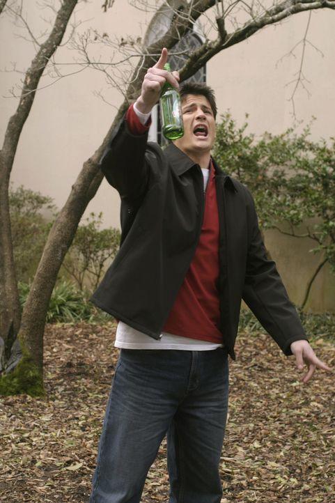 Nathan (James Lafferty) ist völlig am Boden zerstört und greift immer häufiger zum Alkohol ... - Bildquelle: Warner Bros. Pictures