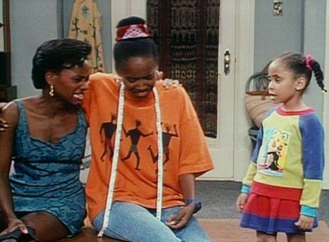Bill Cosby Show - Pam (Erika Alexander, M.) und Charmaine (Karen Malina White...