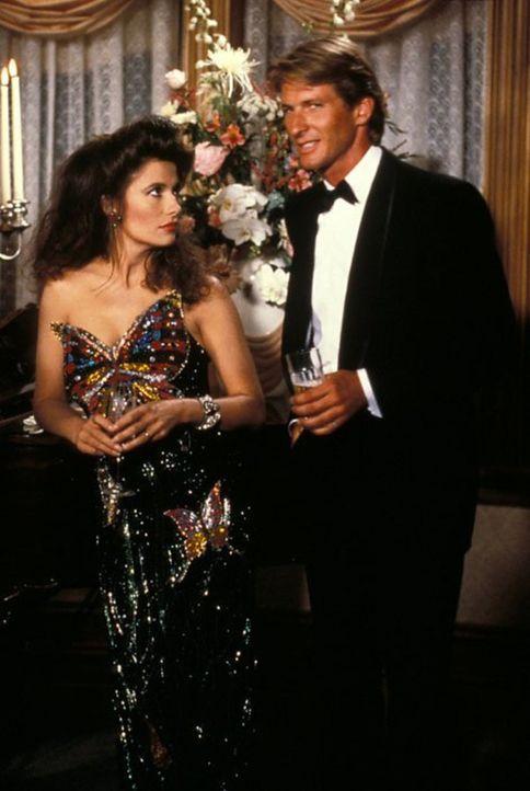 (6. Staffel) - Hochzeitsfeier auf Falcon Crest für Lance und Melissa (Ana Alicia, l.). Währenddessen erlebt Vickie ein Martyrium, was weder Dan (Bre... - Bildquelle: 1986   Warner Brothers