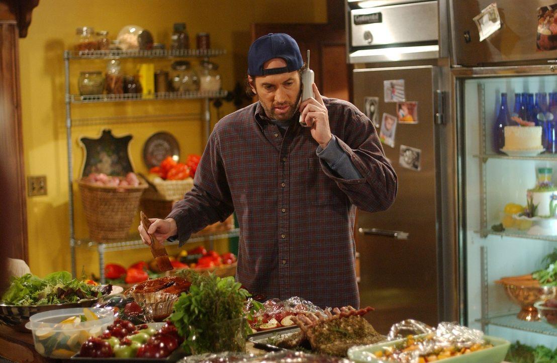 In Ruhe möchte Luke (Scott Patterson) das Restaurant im Dragonfly Inn schmeißen, doch Sookie kann die Kontrolle über die Küche nicht abgeben und läs... - Bildquelle: 2004 Warner Bros.