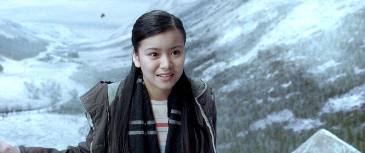 Eigentlich würde Harry gerne mit Cho Chang (Katie Leung) auf den Weihnachtsball in Hogwart gehen. Doch er wagt nicht, eine Einladung auszusprechen .... - Bildquelle: 2005 Warner Bros. Ent. Harry Potter Publishing Rights. J.K.R.