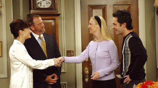 Mike (Paul Rudd, r.) stellt Phoebe (Lisa Kudrow, 2.v.r.) seinen Eltern vor, w...