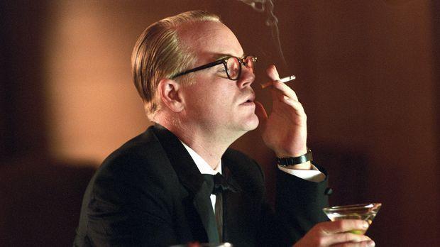 Dem feschen Reporter Truman Capote (Philip Seymour Hoffman) gelingt es sogar,...