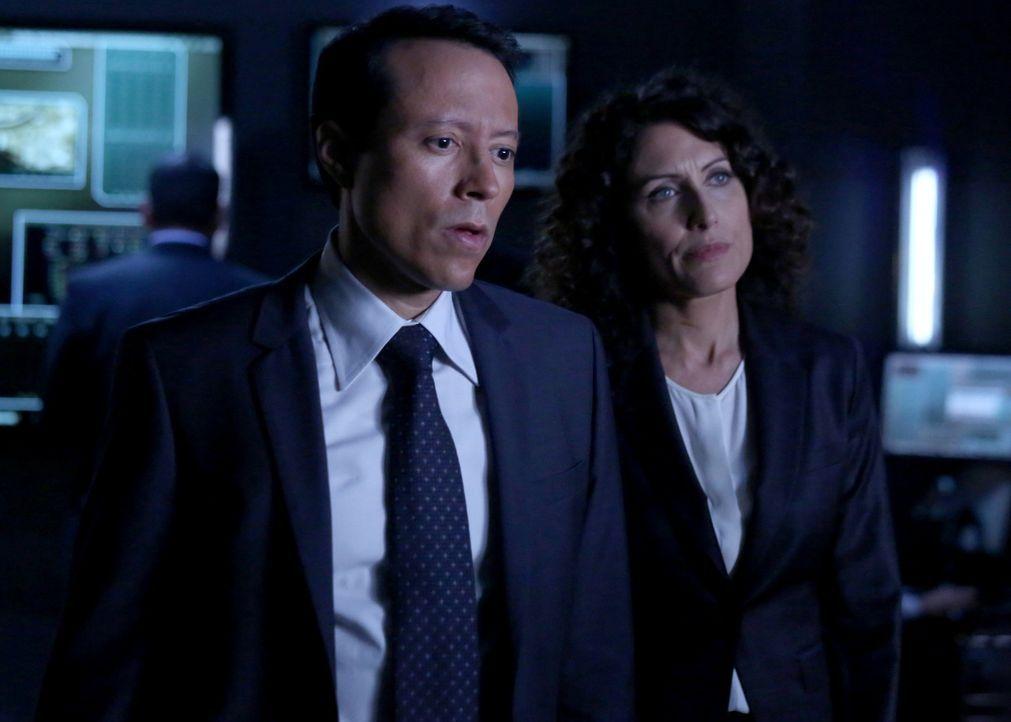 Chief Carl Villante (Yancey Arias, l.) und Agent Rachel McCord (Lisa Edelstein, r.) arbeiten im aktuellen Fall zusammen ... - Bildquelle: ABC Studios