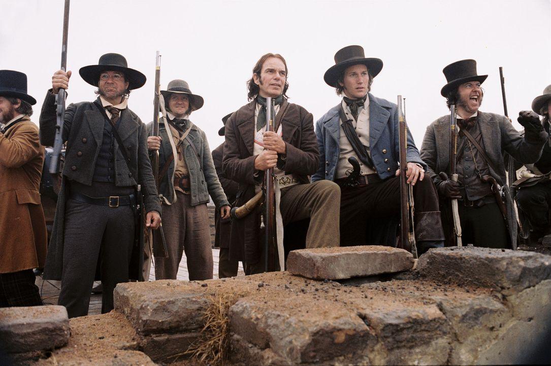 Stehen einem mehrere tausend Mann starken mexikanischen Heer gegenüber und flüchten sich in den Schutz der Alamo-Mission, die sie von nun an als For... - Bildquelle: Disney - ABC International Television