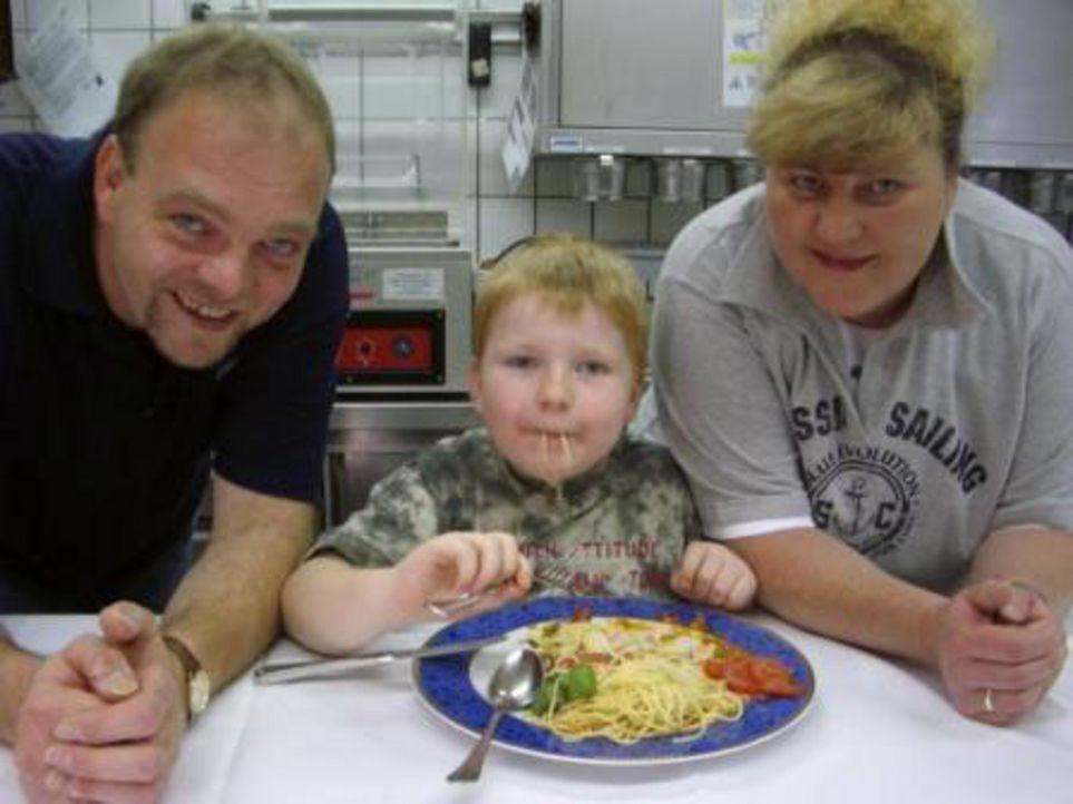 Familie Leinberger hat ein schwerwiegendes Problem: Mama Manuela (43) wiegt 127 Kilo. Papa Armin (44) bringt rund 121 Kilo auf die Waage. Und selbst... - Bildquelle: ProSieben