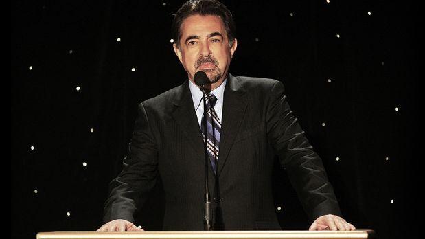 Criminal Minds - joe-mantegna-09-04-30-spricht-getty-AFP - Bildquelle: getty-AFP