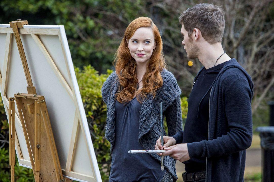 Genevieve und Klaus am Zeichenblock