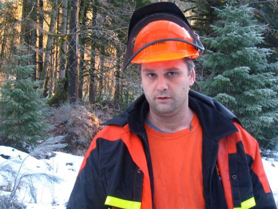 """Für Gord Closson dreht sich alles um Bäume, Holz und Profit. Er ist Chef eines Heli-Logger Teams - einer Truppe tollkühner und """"verrückter"""" Holz... - Bildquelle: Josh Gonyea kabel eins"""