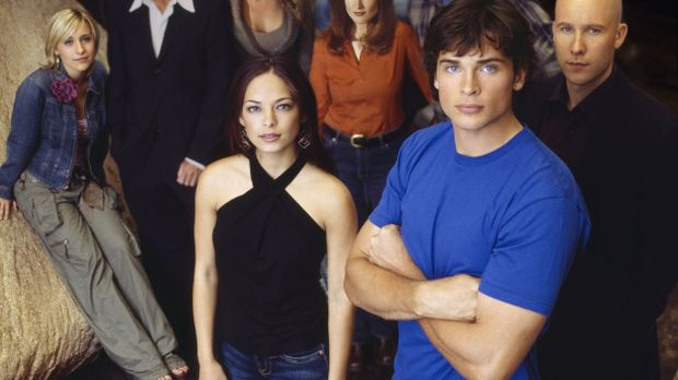 (5. Staffel) - Um sie dreht sich alles in Smallville: (vorne v.l.n.r.) Lana L...