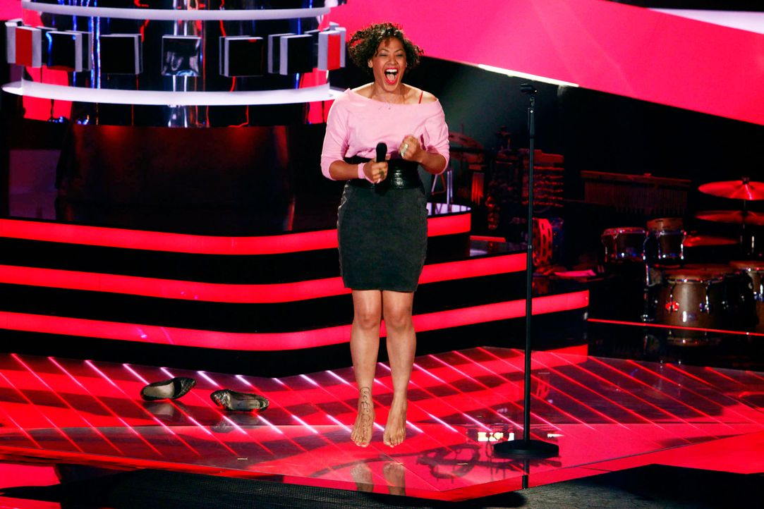 sandra-02-the-voice-of-germany-staffel-2-epi05-showjpg 2448 x 1632 - Bildquelle: SAT.1/ProSieben/Richard Hübner