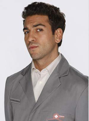 Experte für Schuhe, Schlüssel und moralischen Fragen: Rasoul Abbassi (Elyas M'Barek) ...   - Bildquelle: Frank Dicks - Sat1