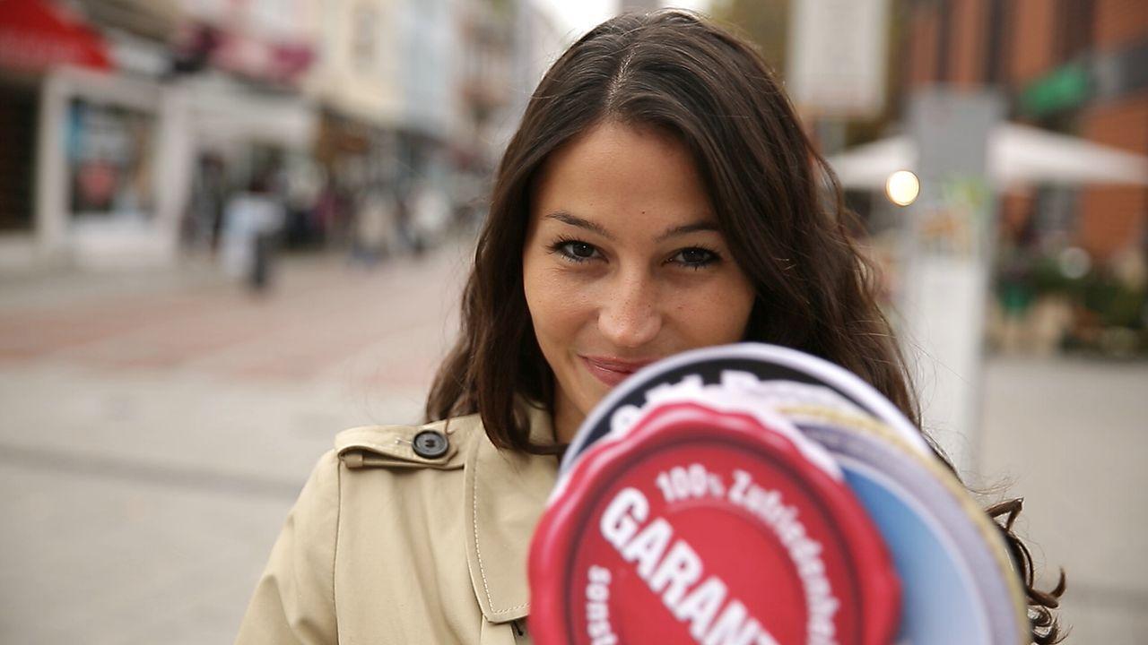 Produkte wegen Unzufriedenheit zurückgeben? Reporterin Alexandra Wahl ... - Bildquelle: Sat.1 Gold