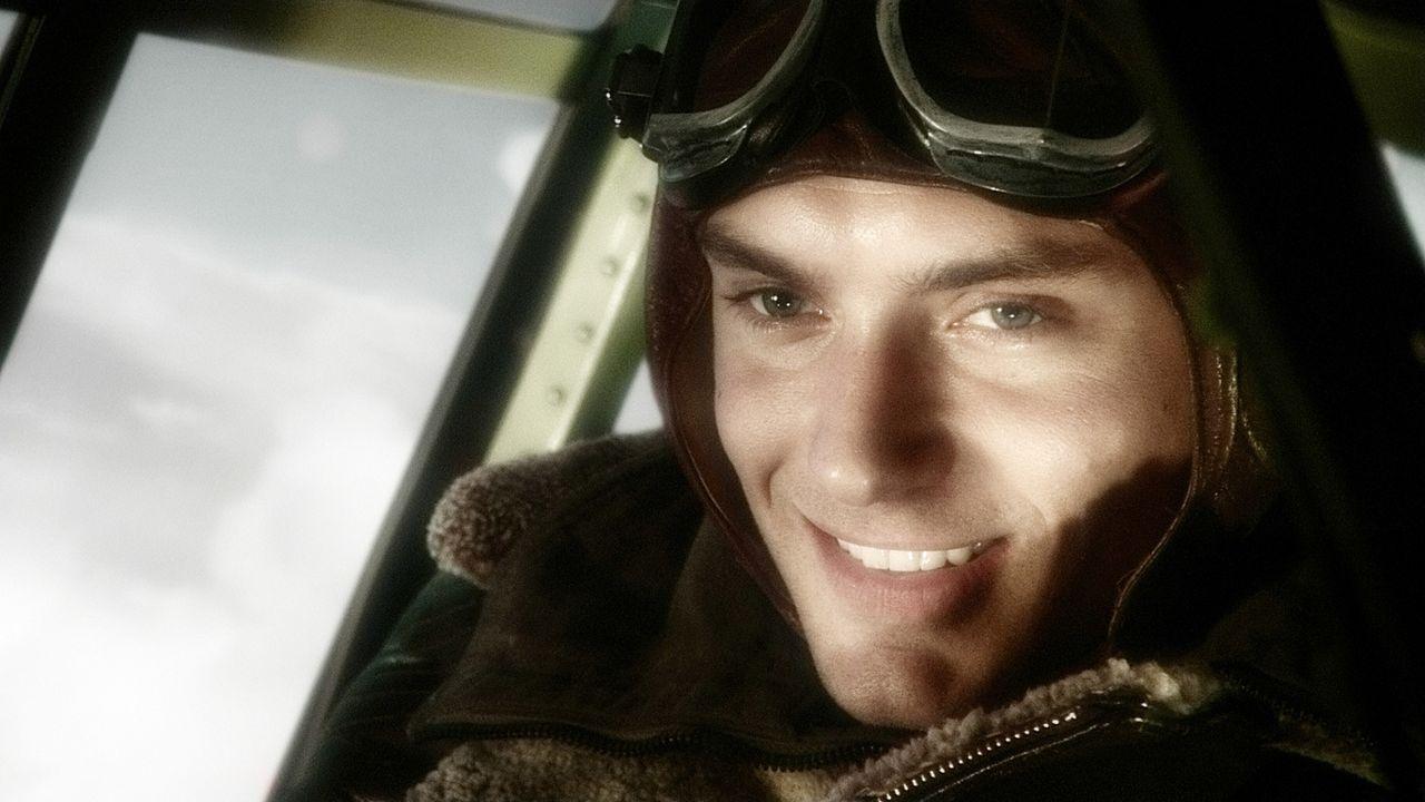 """Flieger-As Joe """"Sky Captain"""" Sullivan (Jude Law) macht sich auf, Doktor Totenkopfs Hauptquartier aufzuspüren und dem Mad Scientist Einhalt zu gebiet... - Bildquelle: TM & Copyright   Brooklyn Films II And Filmauro S.R.L."""