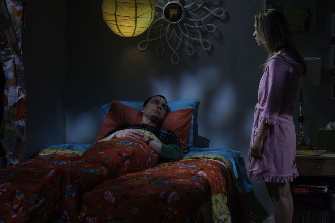 Nachdem sich Sheldon (Jim Parsons, l.) ausgesperrt hat, muss er die Nacht bei Penny (Kaley Cuoco, r.) verbringen. Sie bietet ihm ihre Couch an, aber... - Bildquelle: Warner Brothers Entertainment Inc.