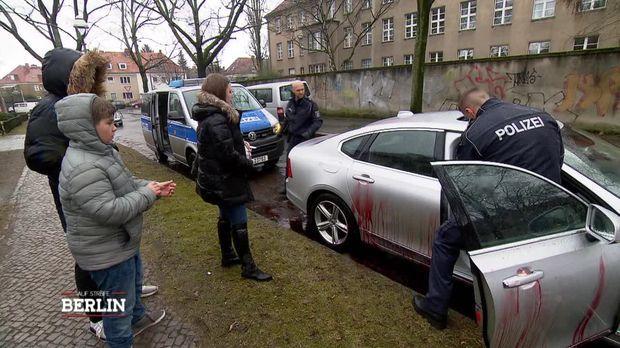 Auf Streife - Berlin - Auf Streife - Berlin - Blutiges Fotoshooting