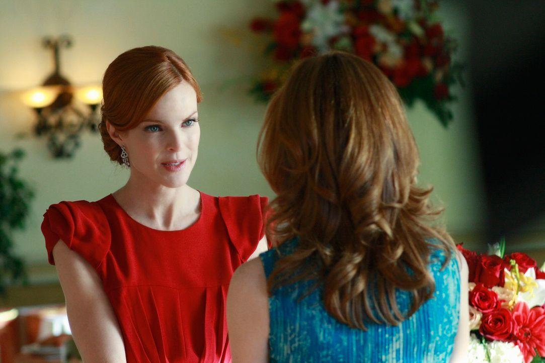 Dass sie Mike verloren hat, macht Katherine (Dana Delany, r.) schwer zu schaffen. Letztendlich ist es Bree (Marcia Cross, l.), die sich ihrer annimm... - Bildquelle: ABC Studios