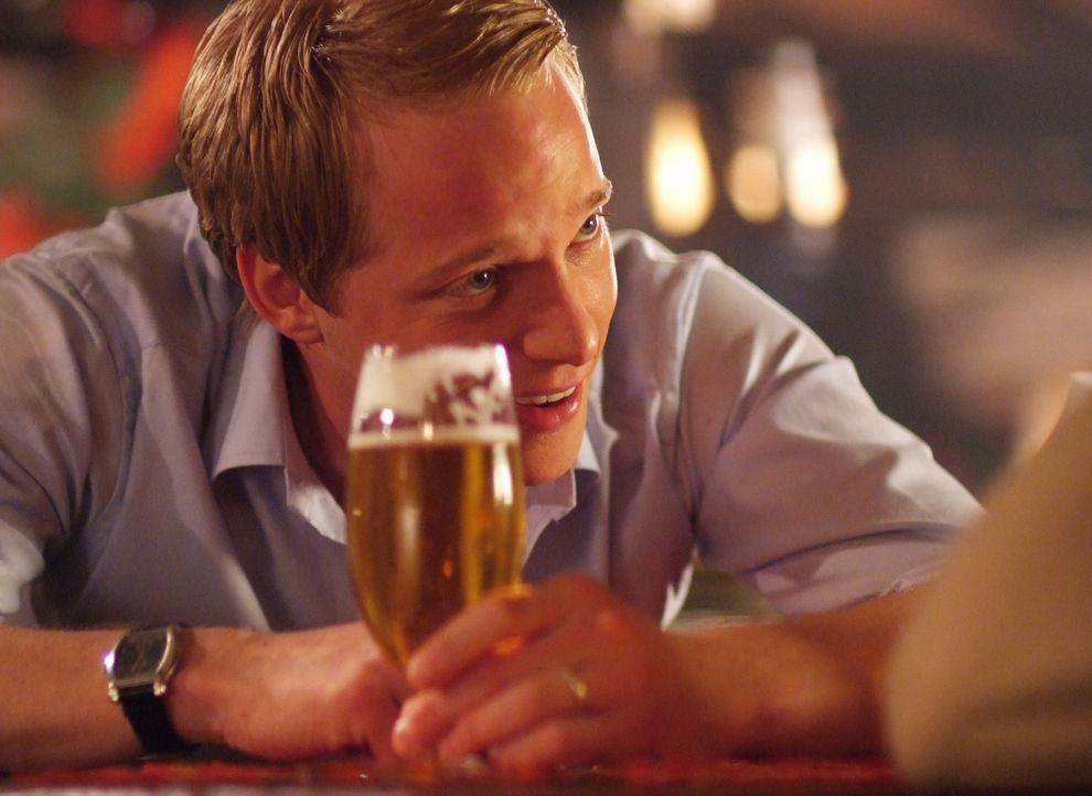 Auch Adelige müssen mal die Sau rauslassen: Prinz Edvard von Dänemark (Chris Geere) ... - Bildquelle: Nu Image Films
