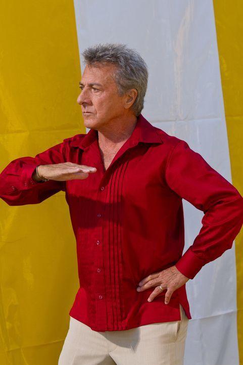Die Sonne lockt Bernie Focker (Dustin Hoffman) nach Spanien und verleitet ihn dazu, Flamenco zu lernen ... - Bildquelle: Glen Wilson 2010 Universal Studios & DW Studios LLC