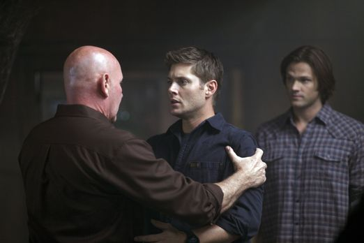 Supernatural - Als Dean (Jensen Ackles, M.) plötzlich Sam (Jared Padalecki, r...