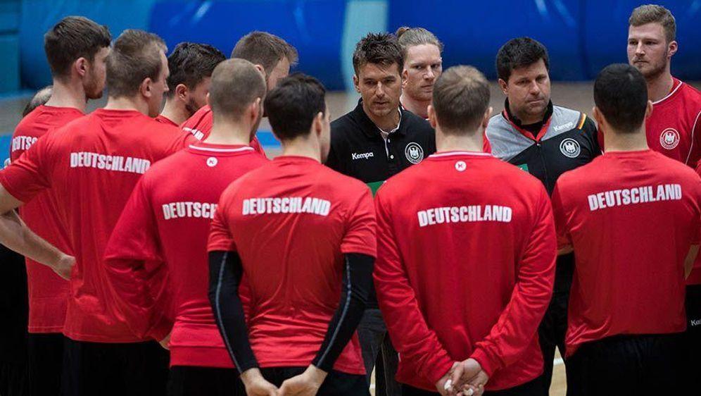 Deutsche Handballer heiß auf EM-Start - Bildquelle: Monika Skolimowska/dpa-Zentralbild/dpa