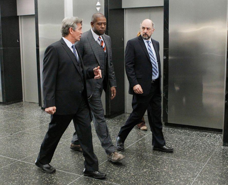 Wollen herausfinden, ob Veronica Day vor zehn Jahren gerecht zum Tode verurteilt wurde: Sam (Forest Whitaker, M.), Andy Armus (Eric Roberts, l.) und... - Bildquelle: ABC Studios
