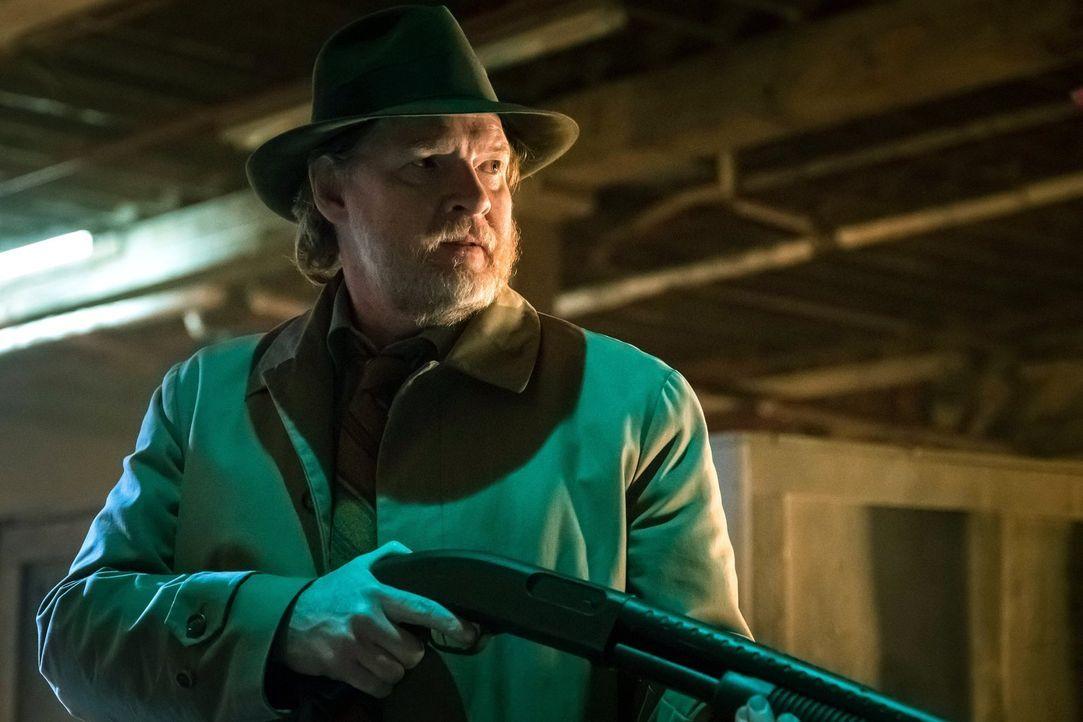 Während Gotham im Chaos versinkt, versuchen Gordon und Bullock (Donal Logue) ein Gegenmittel für den tödlichen Virus zu finden. Doch das ist kein le... - Bildquelle: Warner Brothers