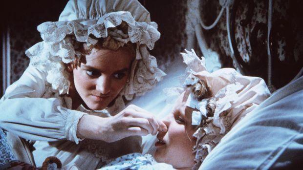 Nellie (Alison Arngrim, l.) hält ihrer Schwester Nancy (Allison Balson, r.) d...