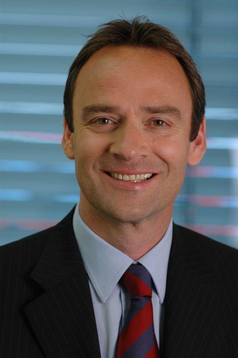 Der Moderator der Focus TV-Reportage: Florian Fischer-Fabian - Bildquelle: Sat.1