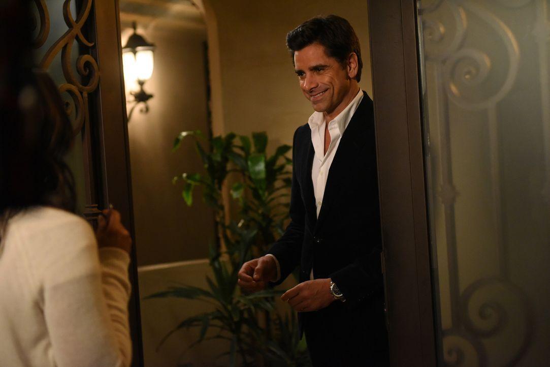 Jimmy (John Stamos) ist überglücklich, dass er in der Lage ist, mit Catherine eine richtige Beziehung zu führen. Doch kann der ehemalige Playboy wir... - Bildquelle: Jordin Althaus 2016 ABC Studios. All rights reserved.
