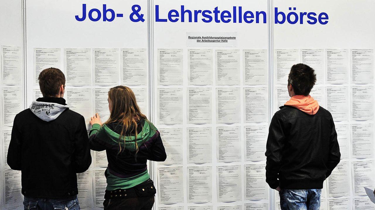 lehrstellenboerse-10-01-29-dpa - Bildquelle: dpa