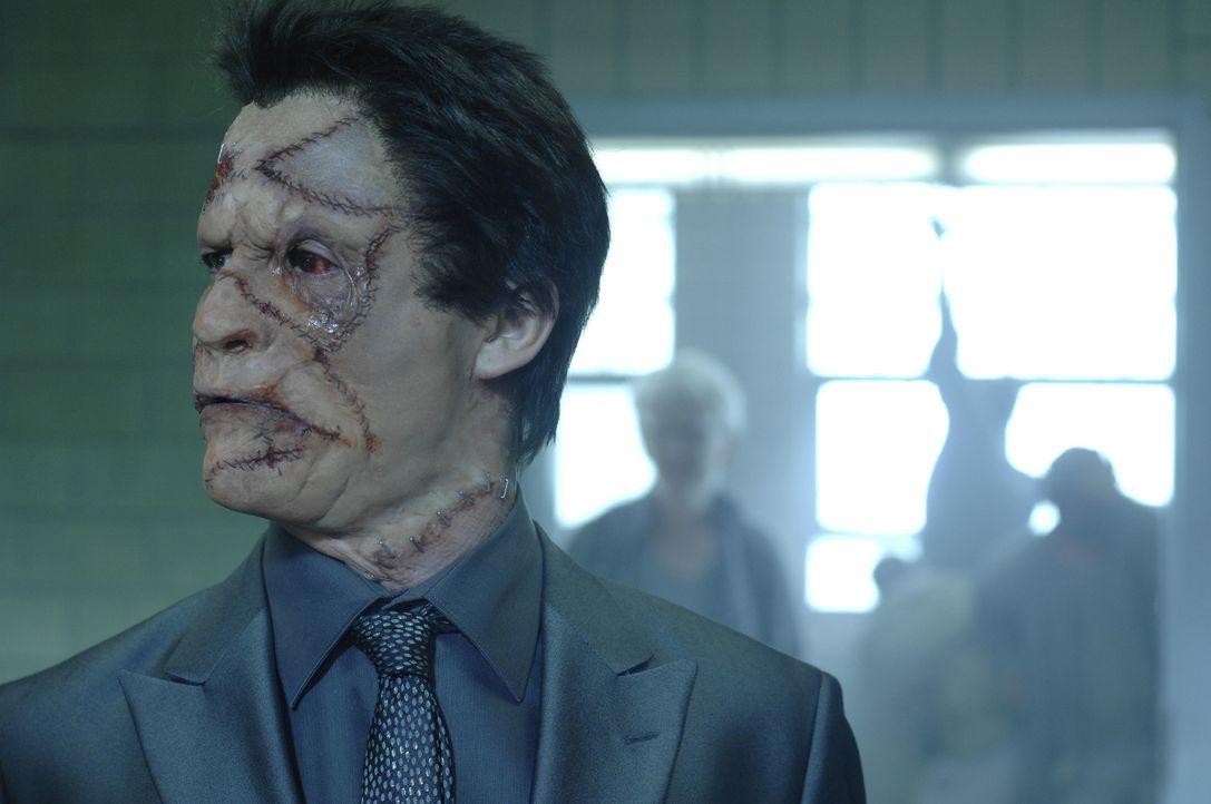 """Ist dem Punisher zu nahe gekommen: Als """"Jigsaw"""" sammelt Billy Russoti (Dominic West) die besten Gangster um sich, um seinen """"Schönheitschirurgen"""" a... - Bildquelle: 2008 MHF Zweite Academy Film GmbH & Co. KG. All Rights Reserved."""