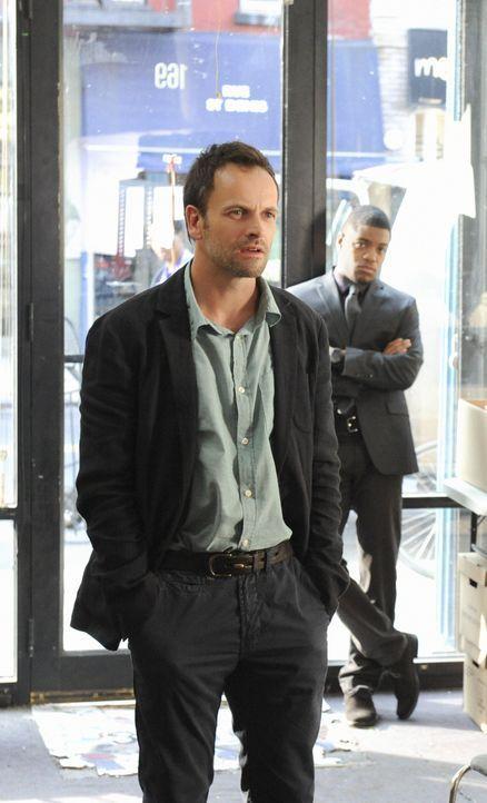 Assistiert Captain Toby Gregson bei einem Mordfall, der die gleiche Vorgehensweise wie eine Mordserie von vor 13 Jahren aufweist und bei dem Captain... - Bildquelle: CBS Television