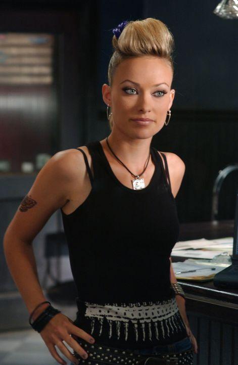 Während sich Ryan mit Lindsay auseinandersetzen muss, nimmt Seth einen Job in Alex' (Olivia Wilde) Club an ... - Bildquelle: Warner Bros. Television
