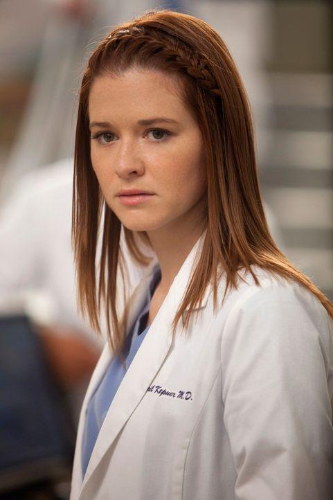 Ist von Owens Entscheidung über den neuen leitenden Assistenzarzt überrascht: April (Sarah Drew) ... - Bildquelle: ABC Studios