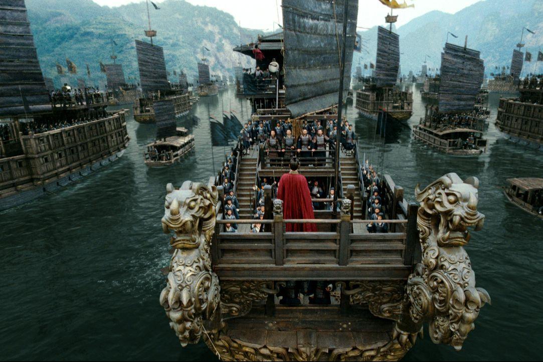 Der machthungrige Cao Cao (Fengyi zhang) zieht mit 800.000 Soldaten und 2.000 Schiffen in einen blutigen Krieg ... - Bildquelle: Constantin Film Verleih GmbH