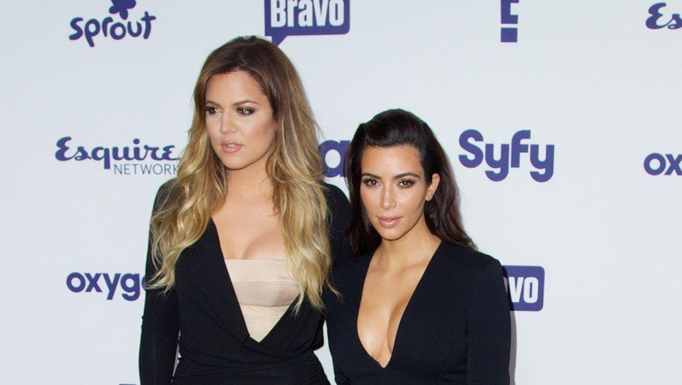 image Kim gibt ihren ersten kopf blowjob anfãnger