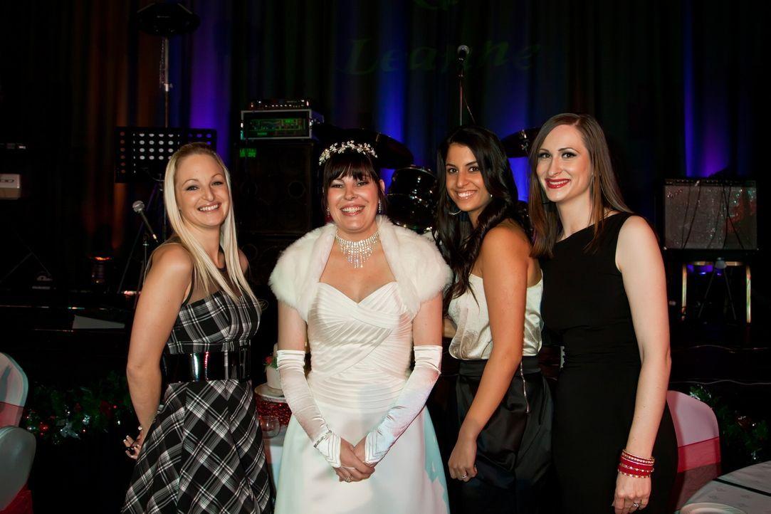 """Wer feiert """"Die perfekte Hochzeit!""""? (v.l.n.r.) Laura, Leanne, Cigdem oder Emma? - Bildquelle: ITV Studios Limited 2010"""