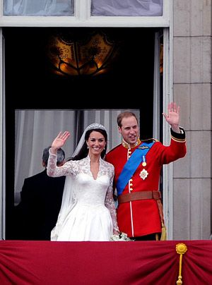 William-Kate-Balkonauftritt-07-11-04-29-300_404_AFP - Bildquelle: AFP
