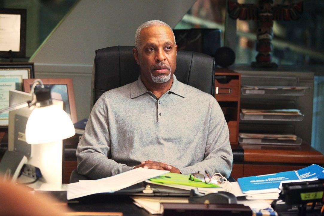 Hat eine überaus schlechte Nachricht für Izzie: Dr. Webber (James Pickens, Jr.) ... - Bildquelle: Touchstone Television