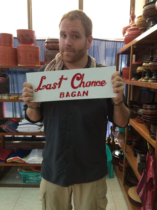 In Myanmar gesellt sich Josh zu den ortskundigen Fahrern und macht sich auf die Suche nach der verfluchten goldenen Glocke von König Dhammazedi. - Bildquelle: 2015, The Travel Channel, L.L.C. All Rights Reserved.