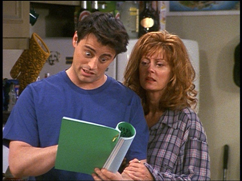 Joey (Matt LeBlanc, l.) nimmt Unterricht bei der berühmten Jessica Lockhart (Susan Sarandon, r.). Bei den gemeinsamen Proben beginnen die beiden ei... - Bildquelle: TM+  2000 WARNER BROS.