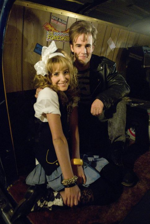 Jugendliebe: Robin (Cobie Smulders, l.) und Simon (James Van der Beek, r.) ... - Bildquelle: 20th Century Fox International Television
