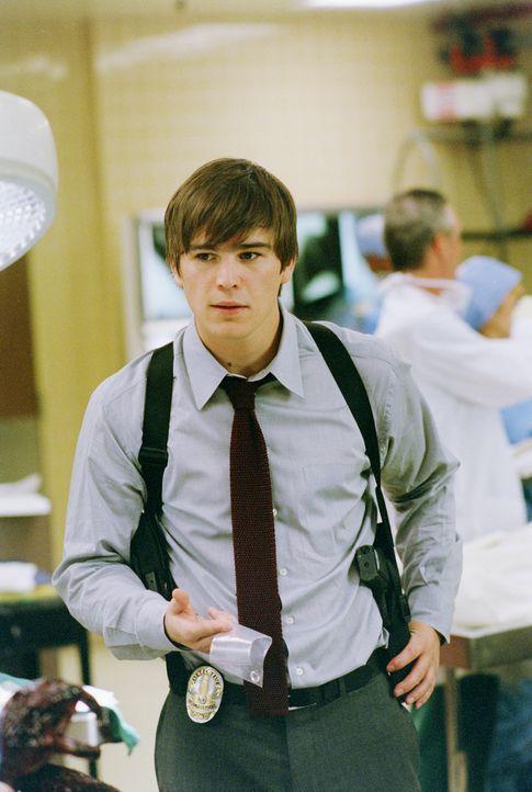 Als sich der junge unerfahrene Cop K.C. Calden (Josh Hartnett) mit einem Vierfachmord in der Rap-Szene herumschlagen muss, stößt er dabei auf korr... - Bildquelle: 2003 Sony Pictures Television International. All Rights Reserved.