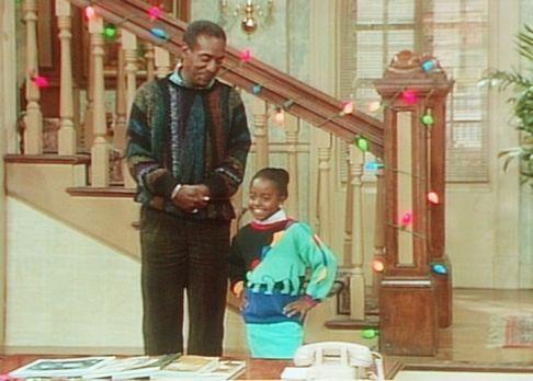 Bill Cosby Show - Modenschau im Hause Huxtable: Cliff (Bill Cosby, l.) präsen...
