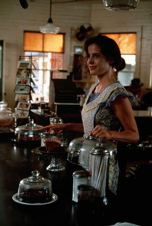 """Im """"Whistle Stop Café"""" fängt für Ruth (Mary-Louise Parker), die sich endlich von ihrem tyrannischen Ehemann lösen konnte, ein neues Leben an. - Bildquelle: Copyright ITV plc (Granada International)"""