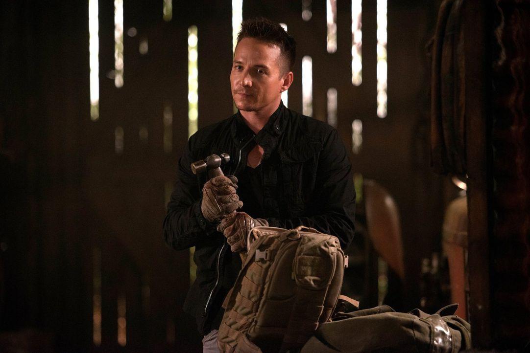 Cole Trenton (Travis Aaron Wade) offenbart Sam den Grund für seine unbändige Wut auf Dean und will Sam um jeden Preis dazu bringen, ihm den Aufentha... - Bildquelle: 2016 Warner Brothers