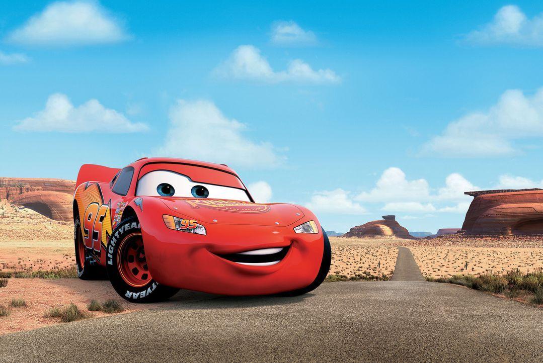 Durch ein Missgeschick landet Rennwagen Lightning McQueen nicht in Kalifornien, sondern in dem verschlafenen Städtchen Radiator Springs, abseits de... - Bildquelle: Walt Disney Pictures