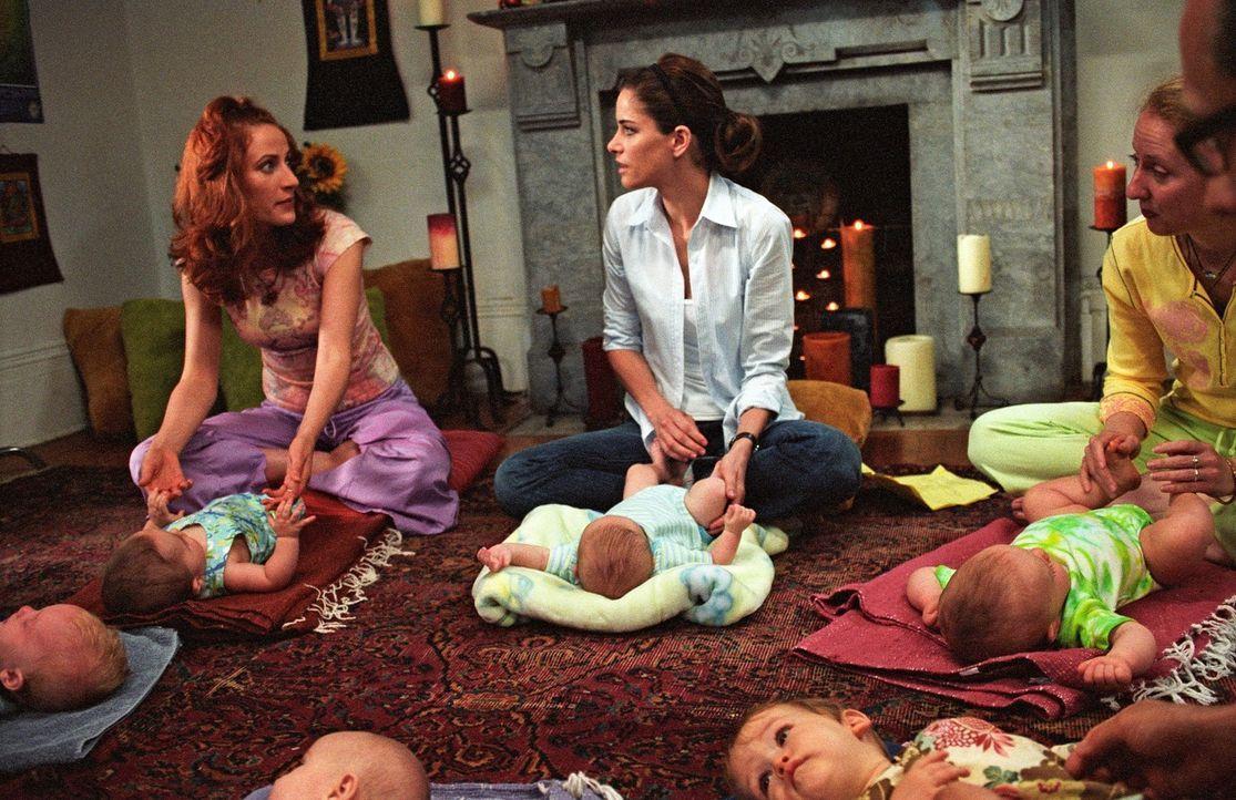 Weil die Anwältin Sofia (Amanda Peet, M.) nach der Geburt des Kindes zu Hause bleiben möchte, muss ihr fauler Ehemann die Kohle nach Hause bringen....