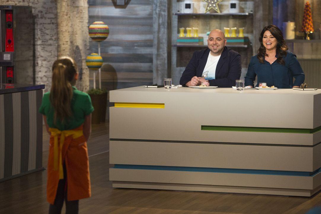 Wen werden Duff Goldman (l.) und Valerie Bertinelli (r.) dieses Mal nach Hause schicken müssen? - Bildquelle: Adam Rose 2015, Television Food Network, G.P.  All Rights Reserved.